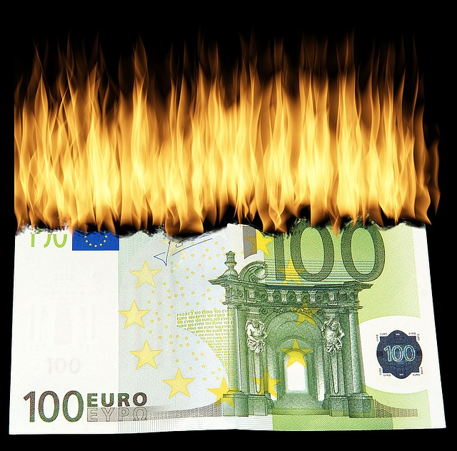 peníze)