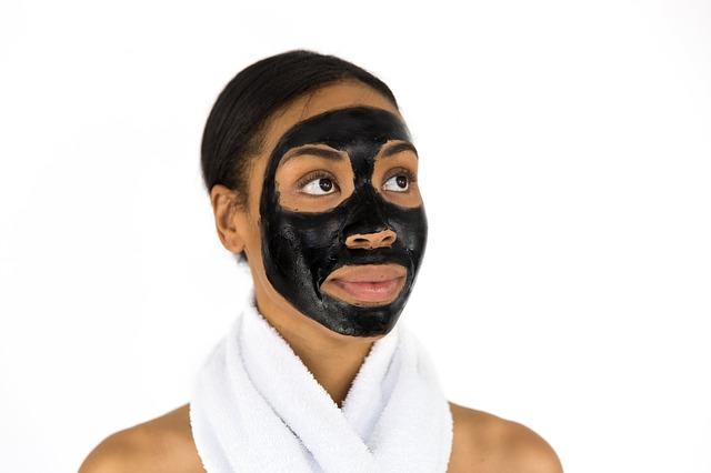 černá čistící maska