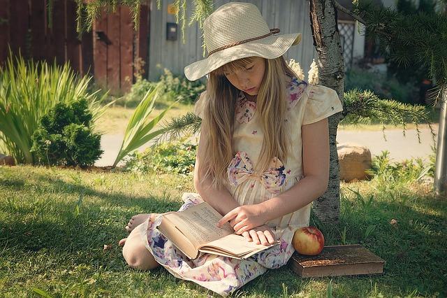 mladá čtenářka